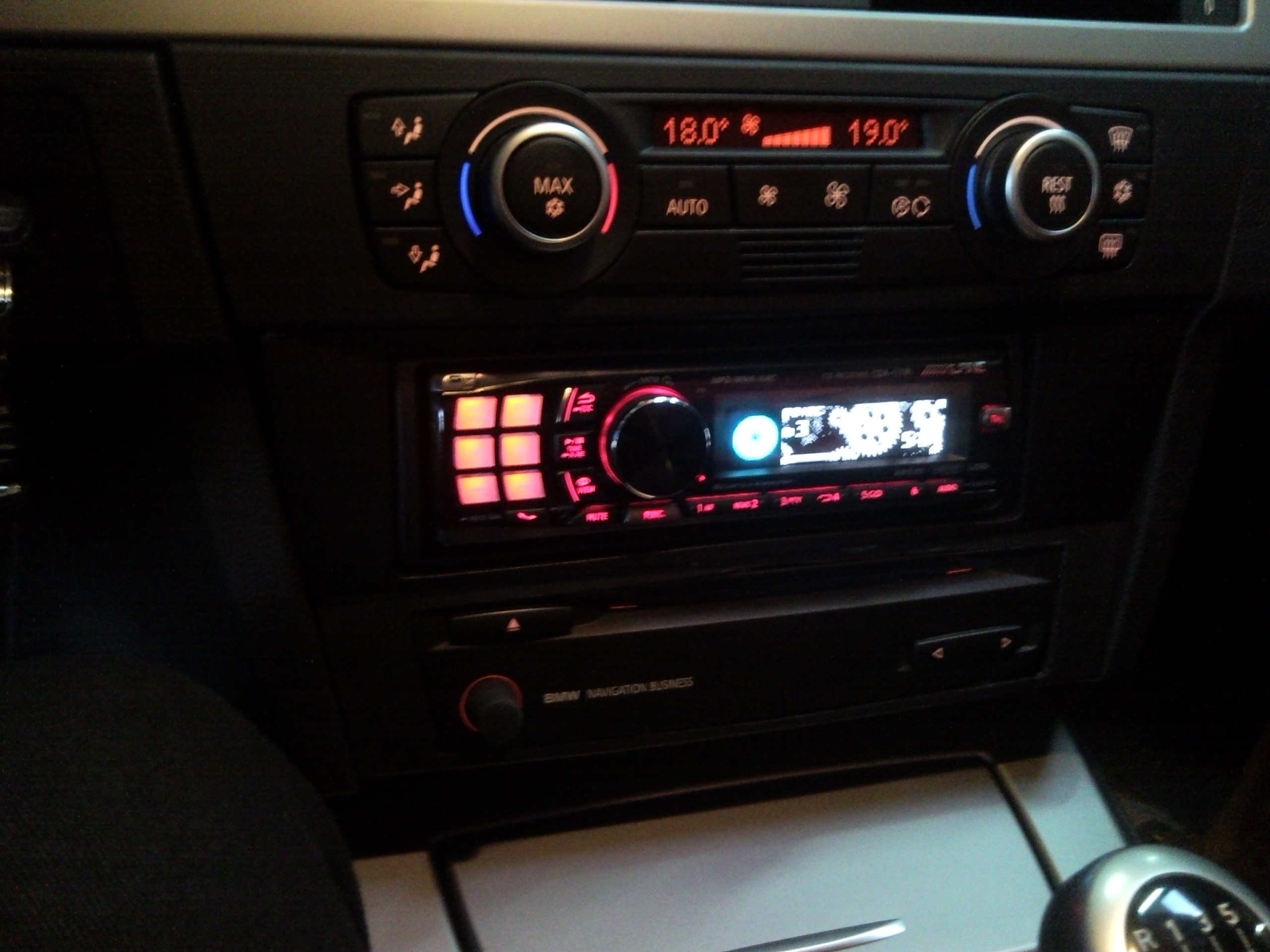 ME-Speedshop BMW E91 Alpine Radio